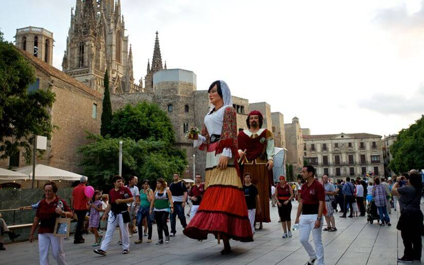 פסטיבל מסורתי בקטלוניה